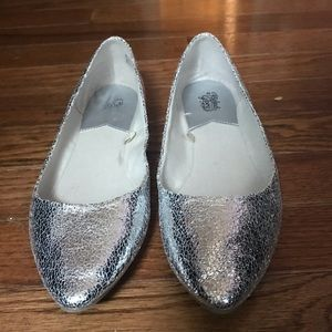 Faded Glory metallic silver crackle flats